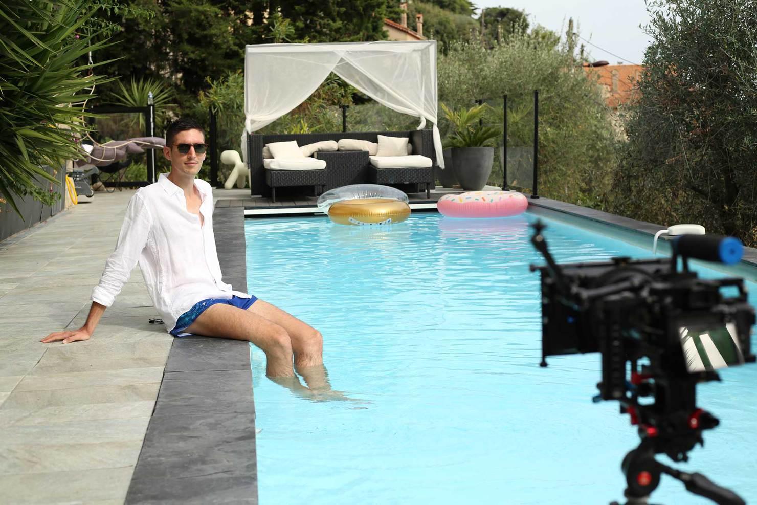 A propos : pause piscine